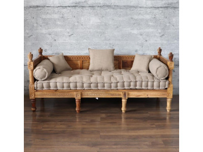 Connaught Day Bed